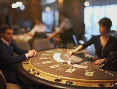 Quand faut-il séparer ou doubler les cartes au blackjack ?